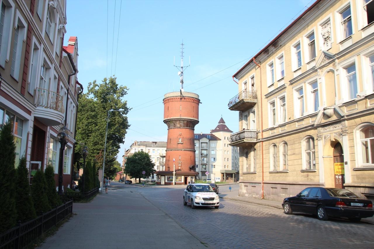 Der Insterburger Wasserturm von der Belowstraße aus gesehen